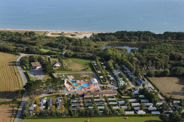 Camping aux 2 ch nes 3 toiles b nodet toocamp for Camping de la piscine fouesnant