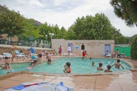 Camping agay soleil 3 toiles agay toocamp for Le mas du soleil salon de provence