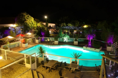Camping le botanic 3 toiles fabr gues toocamp for Club piscine prevost