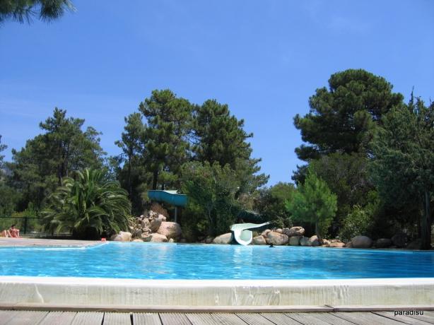 Camping bonifacio parc aquatique 1 campings comparer - Camping bonifacio piscine ...