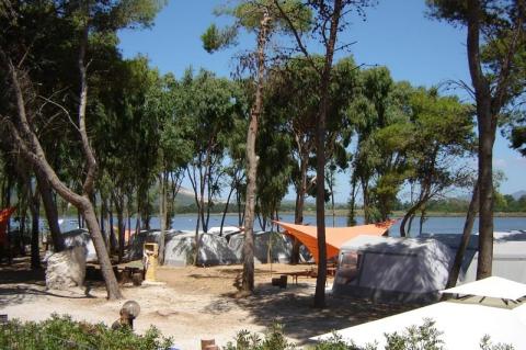 camping sardaigne pas cher les campings les moins chers en sardaigne. Black Bedroom Furniture Sets. Home Design Ideas