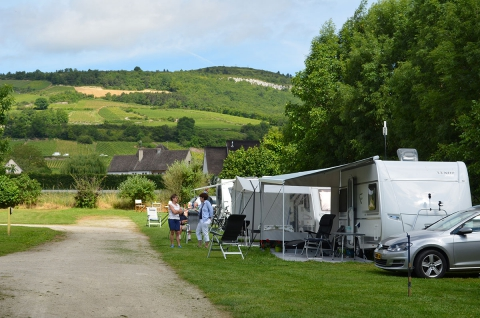 Camping des sources 3 toiles santenay toocamp for Camping bourgogne piscine