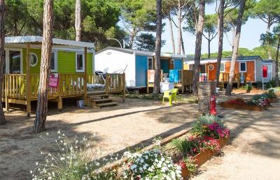 camping cypsela resort 5 toiles pals toocamp. Black Bedroom Furniture Sets. Home Design Ideas