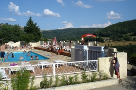 Camping - Camping Neuvéglise - Auvergne - France