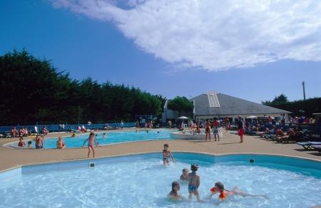 Camping le bois d 39 amour 3 toiles quiberon toocamp for Camping piscine quiberon