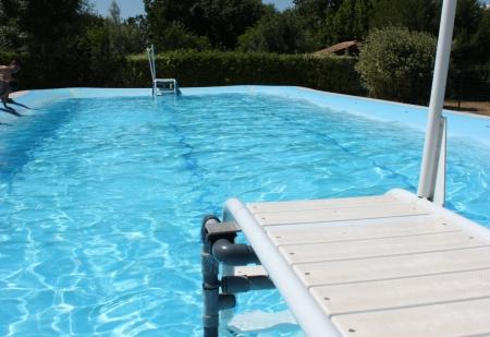 Camping le pr vert 4 toiles saint laurent de la pr e for Camping poitou charente piscine