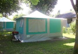 Camping les portes de l 39 anjou 3 toiles durtal toocamp for Club piscine anjou